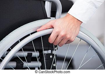 homem negócios, cadeira rodas