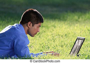 homem negócios, com, laptop