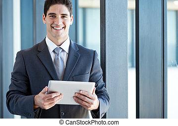 homem negócios, computador, jovem, tabuleta