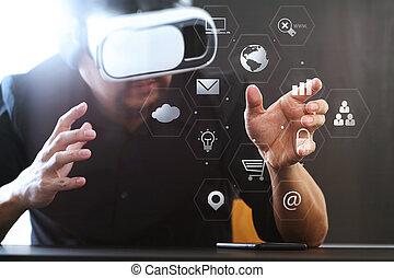 homem negócios, desgastar, realidade virtual, óculos proteção, em, modernos, escritório, com, telefone móvel, usando, com, vr, headset, com, tela, ícone, diagrama
