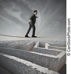 homem negócios, desvio, a, labirinto