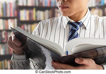 homem negócios, diário, leitura, professor, ou