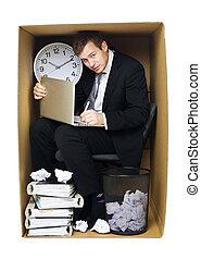 homem negócios, em, um, apertado, escritório