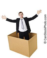 homem negócios, em, um, caixa papelão
