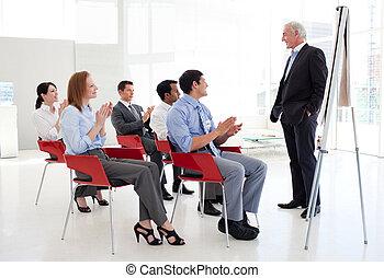 homem negócios, em, um, conferência