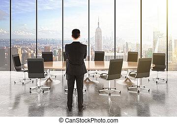 homem negócios, em, um, quarto conferência, com, tabela madeira, e, cadeiras