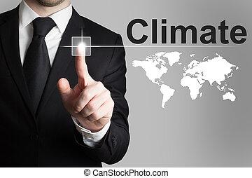 homem negócios, empurrar, touchscreen, botão, clima, global