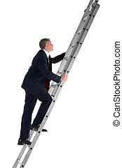 homem negócios, escalando, escada, vista lateral