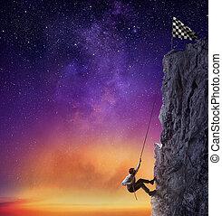 homem negócios, escalar, um, montanha, receber, a, flag., realização, negócio, meta, e, difícil, carreira, conceito