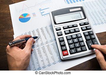 homem negócios, financeiro, cálculos