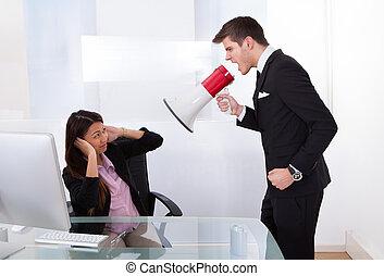 homem negócios, gritar, executiva