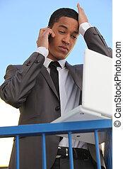 homem negócios,  laptop, jovem, cansado