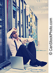 homem negócios, laptop, sala, usuário rede