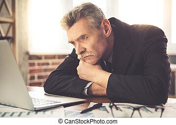 homem negócios, maduras, trabalhando