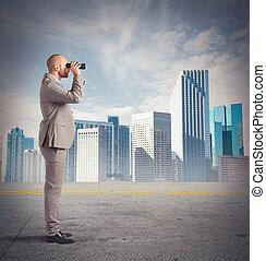 homem negócios, observa, de, um, distância