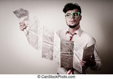 homem negócios, perdido, mapa