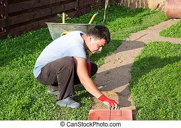homem, põe, concreto, azulejos, caminho