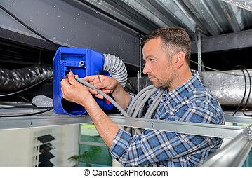 homem, reparar, sistema ventilação