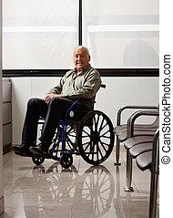 homem sênior, ligado, cadeira rodas