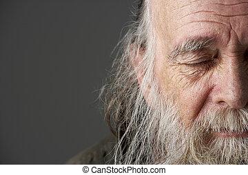homem sênior, longo, barba