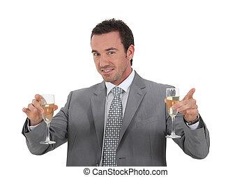 homem, segurando, óculos champanha