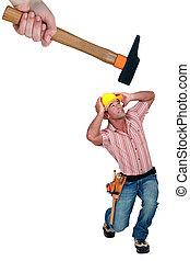homem, sendo, golpe, por, um, martelo