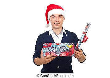 homem sorridente, com, abertos, presente natal