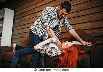 homem, strangles, mulher, com, um, laço, violência doméstica