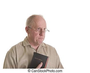 homem velho, em, óculos, com, bíblia, e, triste, olhar