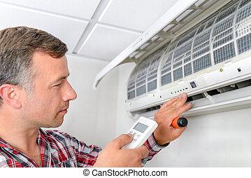 homem, verificar, ar condicionado, unidade