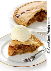 apple pie topped with ice cream - homemade apple pie topped ...