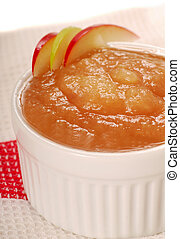 Homemade applesauce - Delicious homemade applesauce with ...
