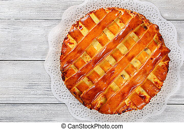 sweet cottage cheese pie with raisins