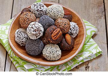 Healthy Paleo Raw Energy Balls - Homemade Healthy Paleo Raw ...