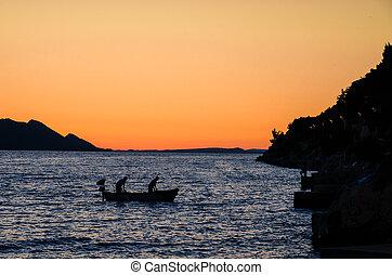homens, barco pesca