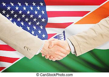 homens negócios, aperto mão, -, estados unidos, e, índia