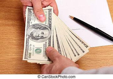 homens negócios, passagem, dinheiro, com, contrato, ligado,...