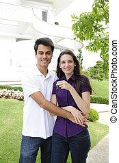 homeowner:, pareja, comprar una nueva casa