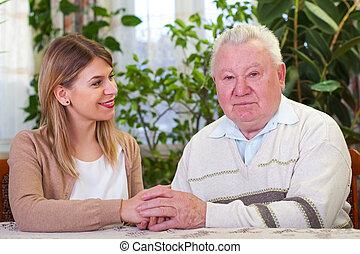 homme âgé, à, petite-fille