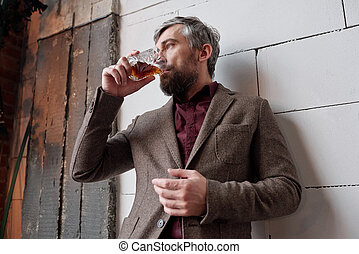 homme, élégant, whisky