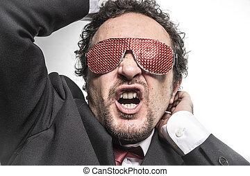homme affaires, à, rouges, lunettes, crier, nervously, et, inquiet, pour, argent