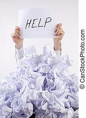 homme affaires, accablé, par, papier, demande, pour, aide