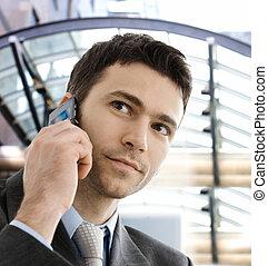 homme affaires, appeler, téléphone