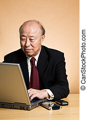homme affaires, asiatique, fonctionnement
