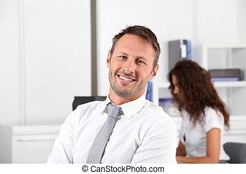 homme affaires, attitude, heureux, positif