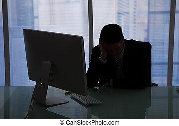 homme affaires, bureau, accentué, informatique, séance