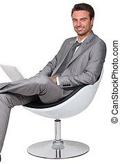 homme affaires, chaise pivotante
