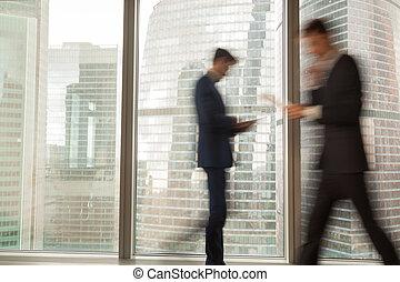 homme affaires, dépêcher, occupé, bureau affaires