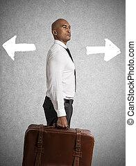 homme affaires, devoir, choisir, entre, différent, destinations., concept, de, difficile, carrière