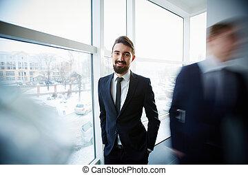 homme affaires, fenêtre